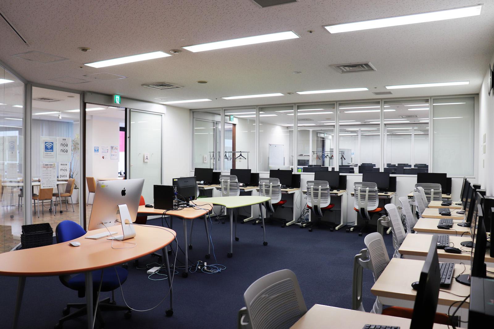 noa梅田校 教室・自習室1